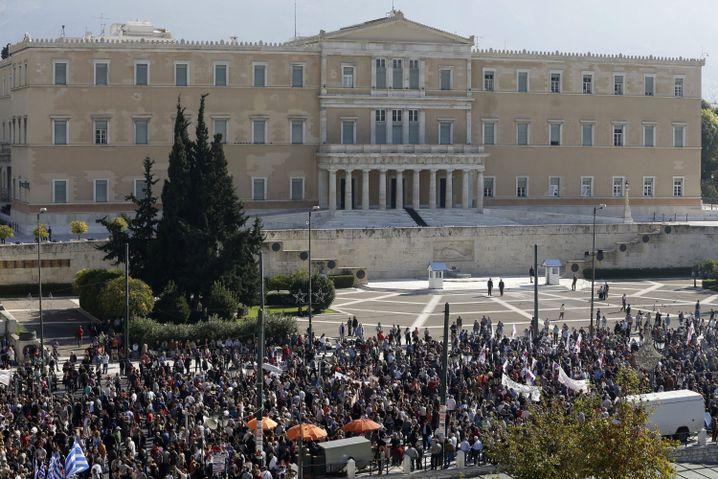 Versammlung der Demonstranten vor dem Parlament in Athen: Generalstreik