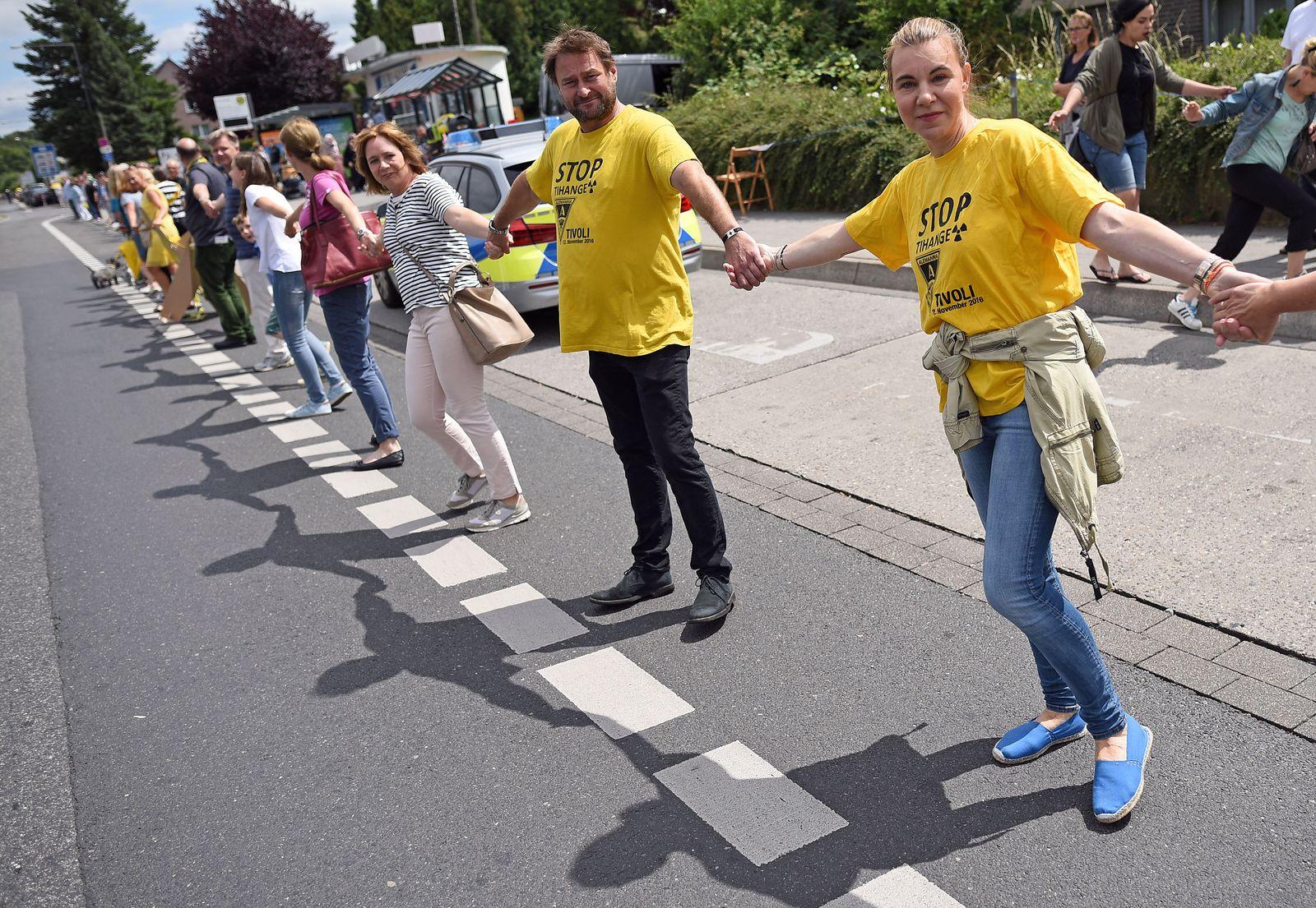 """Protest - """"Kettenreaktion"""" gegen belgische Atommeiler"""