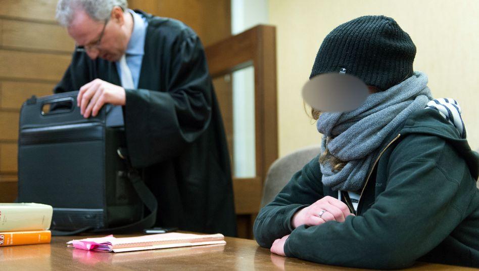 Angeklagte im Amtsgericht Köln: Sechs Monate Haft auf Bewährung