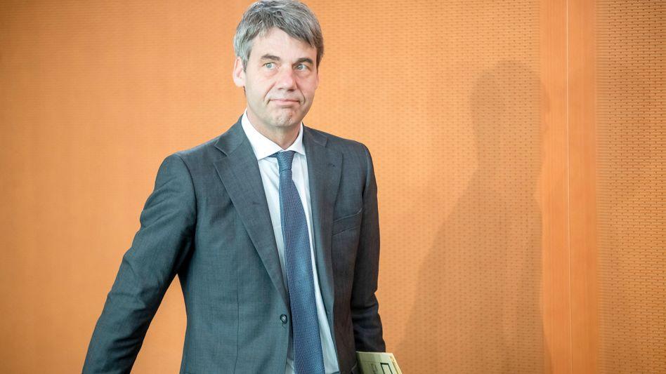 Diplomat Jan Hecker