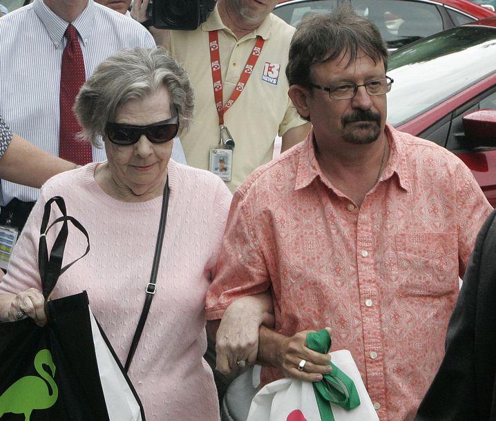 Gewinnerin Gloria C. Mackenzie und ihr Sohn: Rekordgewinn in Florida
