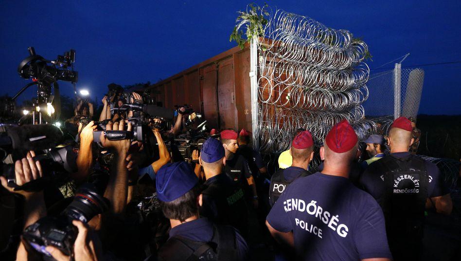 Flüchtlingskrise: Ungarnmacht Grenzen dicht und droht mit Haftstrafen