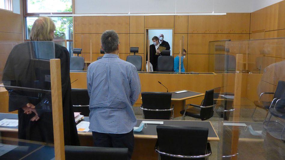 Angeklagter A. (M.) vor dem Darmstädter Landgericht: »Eintritt tödlicher Verletzungen in Kauf genommen«