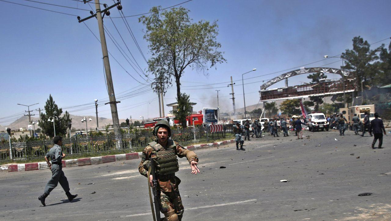 Flughafen Kabul: Mehrere Tote bei Anschlag in Afghanistan ...