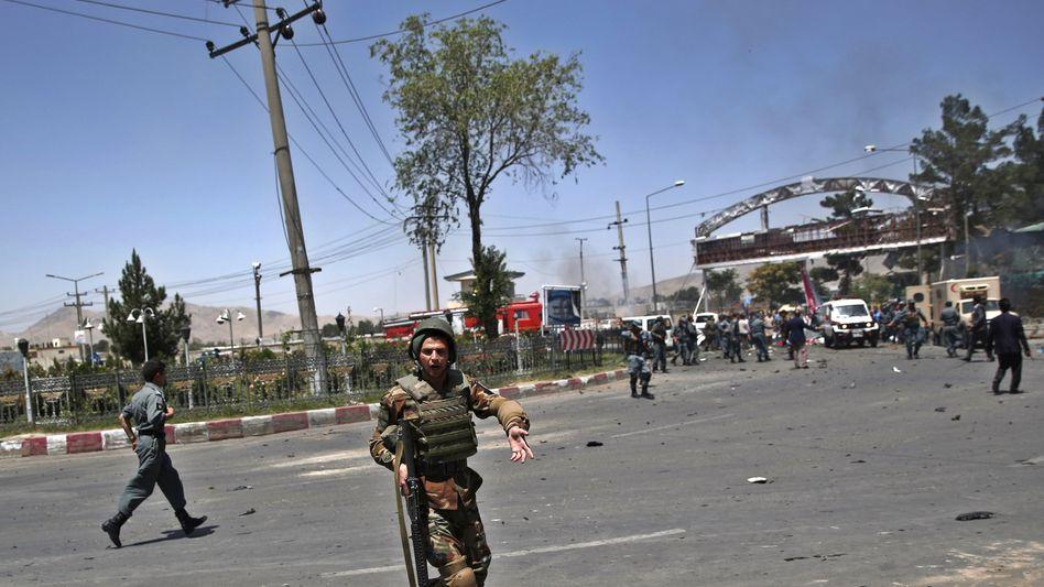 Anschlag auf den Flughafen in Kabul: Taliban bekennen sich zu der Tat