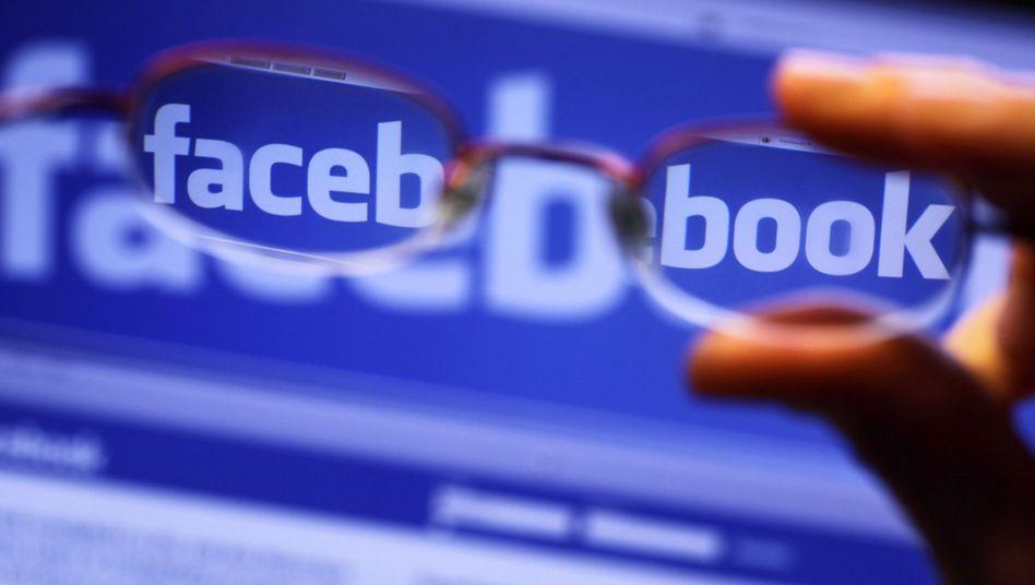 Facebook: Wie sollen Lehrer auf Freundschaftanfragen von Schülern reagieren?