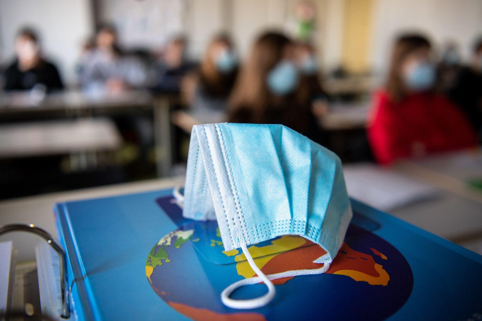 Land unterstützt Schulen mit zusätzlichen Corona-Hilfen