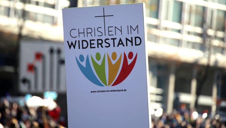 »Christen im Widerstand« auf Demonstration gegen die Corona-Politik in Leipzig