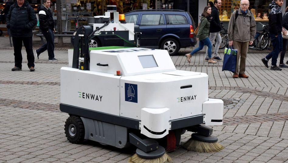 Autonom fahrende Kehrmaschine in Darmstadt