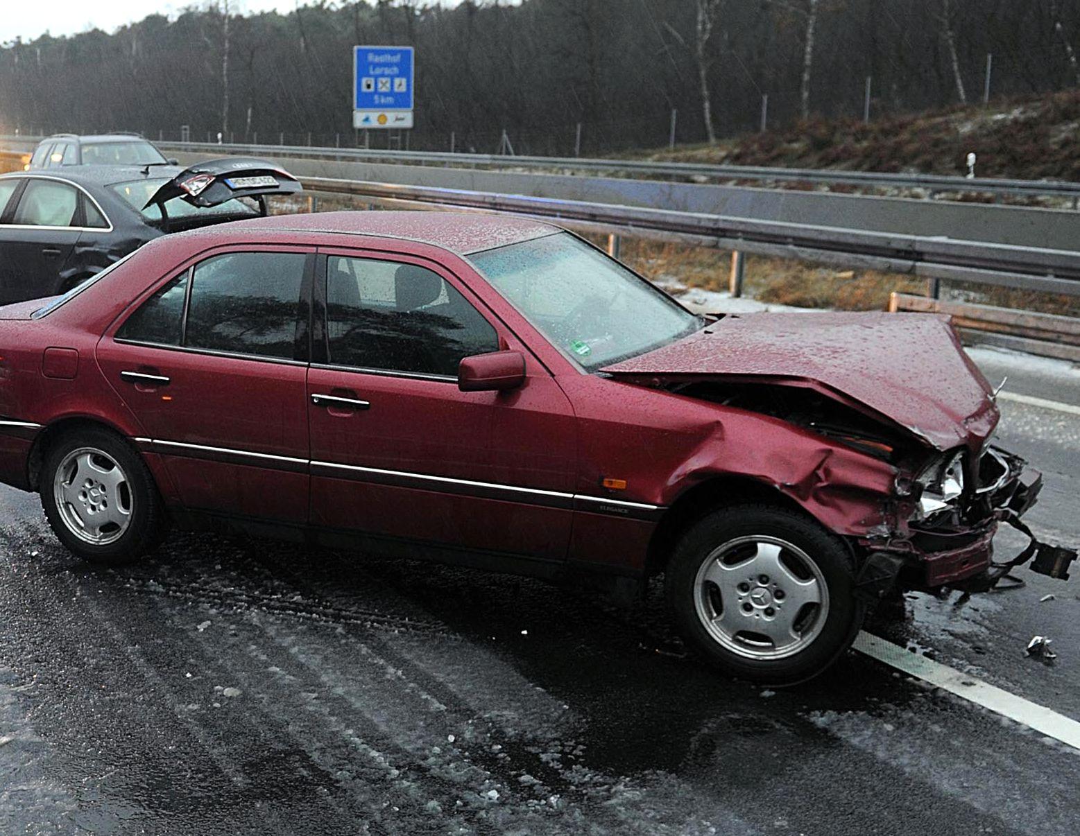 Autounfall / verkehrsunfall