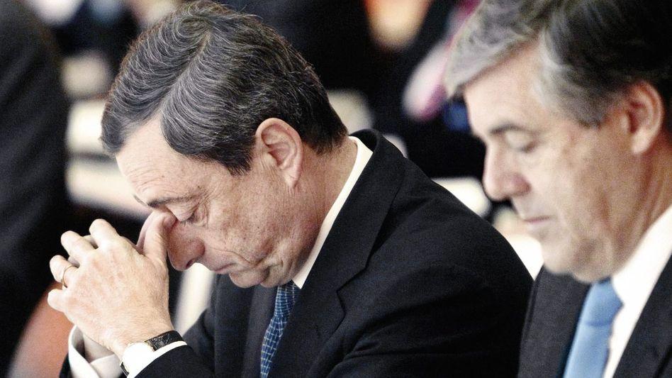 EZB-Chef Draghi, Deutsche-Bank-Boss Ackermann: Befristete Versuchung