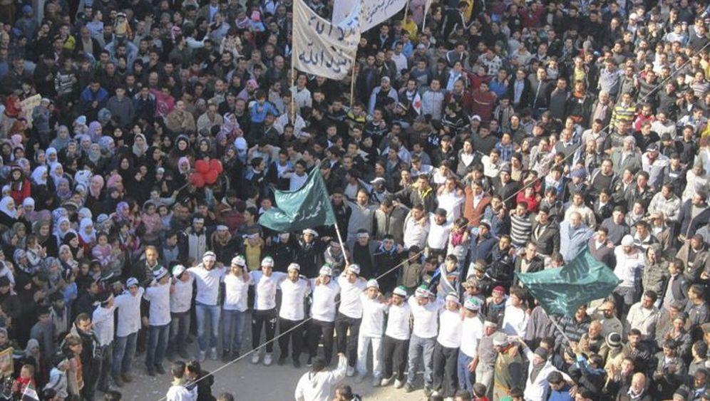Eskalation in Syrien: Militär schießt auf Zivilisten