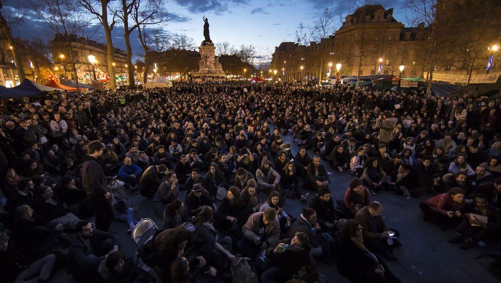 """Proteste in Frankreich: """"Aufrecht durch die Nacht"""""""