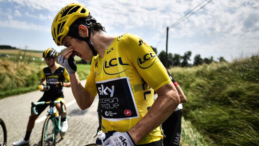 Tour-Etappe unterbrochen: Heuballen und reichlich Tränen