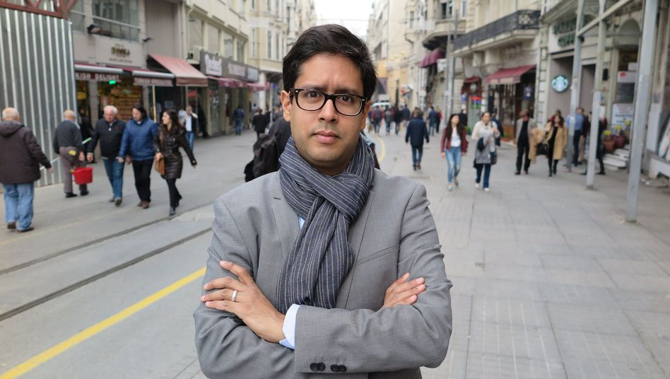 Hasnain Kazim, SPIEGEL's correspondent in Turkey, was forced to leave the country after his press credentials were not renewed.