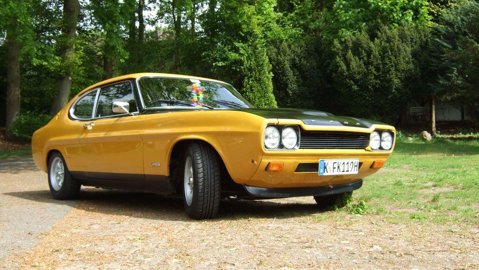 Ford Capri 2600 RS: Das Auto im Bild stammt aus dem Baujahr 1972 und trägt die damals populäre zweifarbige Lackierung