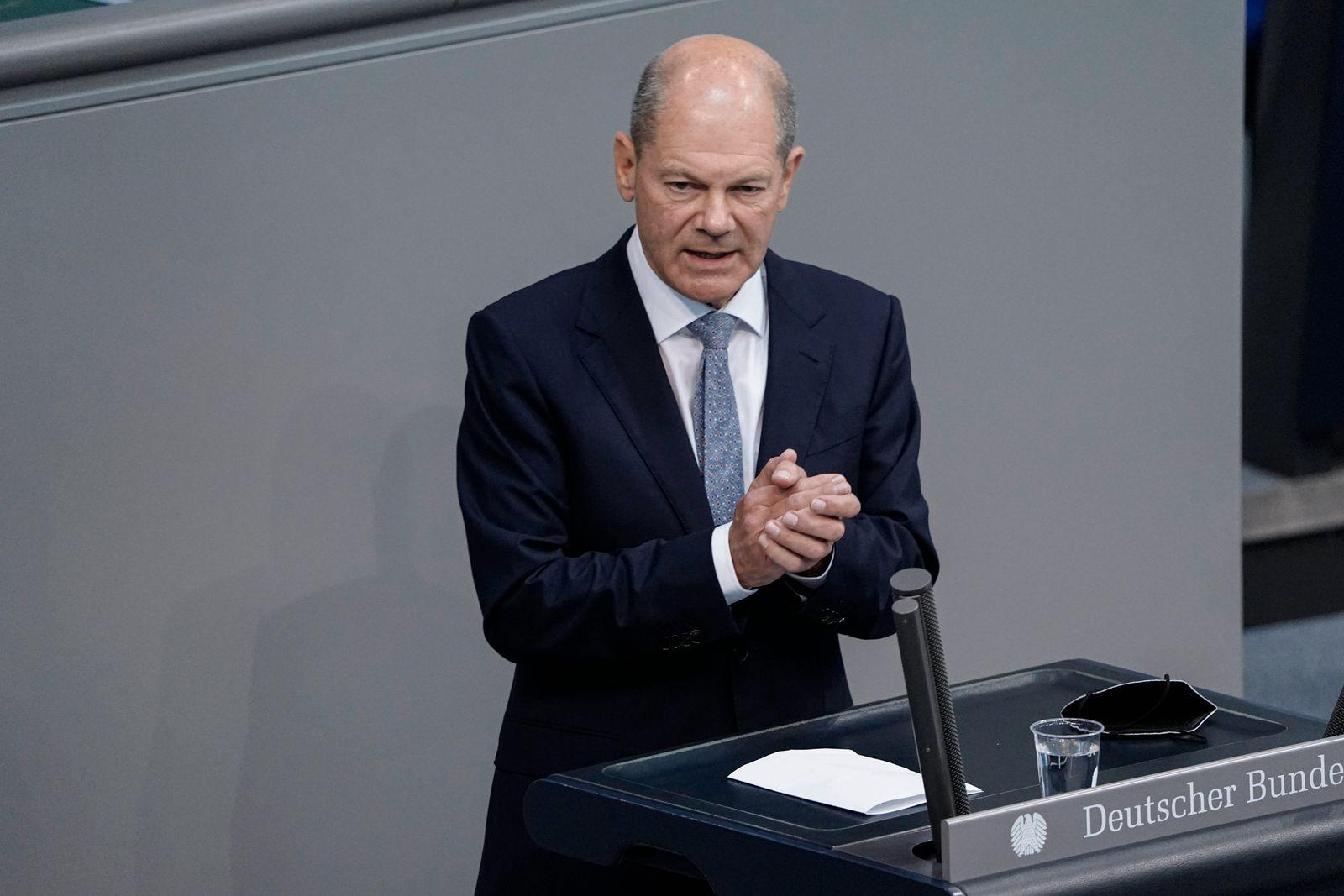 239. Bundestagssitzung und Debatte Aktuell, 07.09.2021, Berlin, Olaf Scholz der Bundesfinanzminister (Bundesminister der