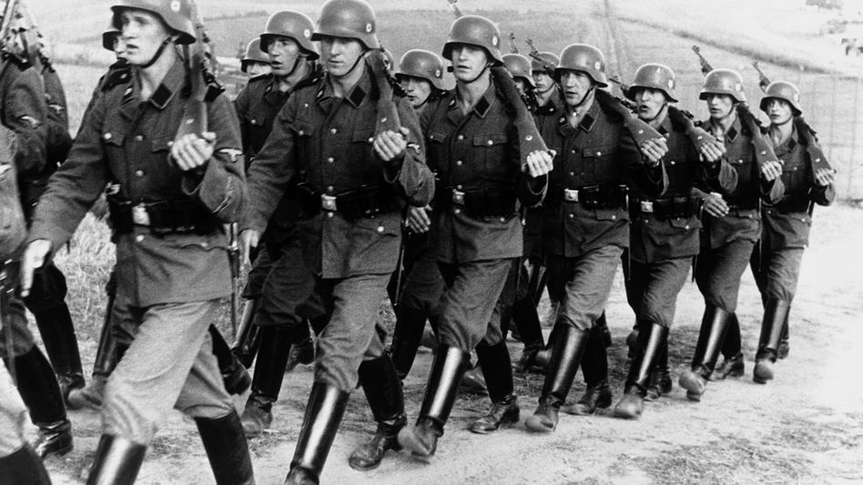 SS-Truppen beim Militärtraining an der polnischen Grenze 1938