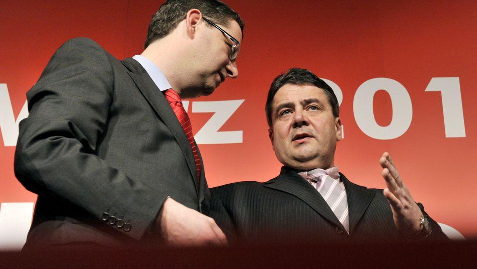 SPD-Chef Gabriel, Vize Schäfer-Gümbel: Mehr Mut gegen Merkel