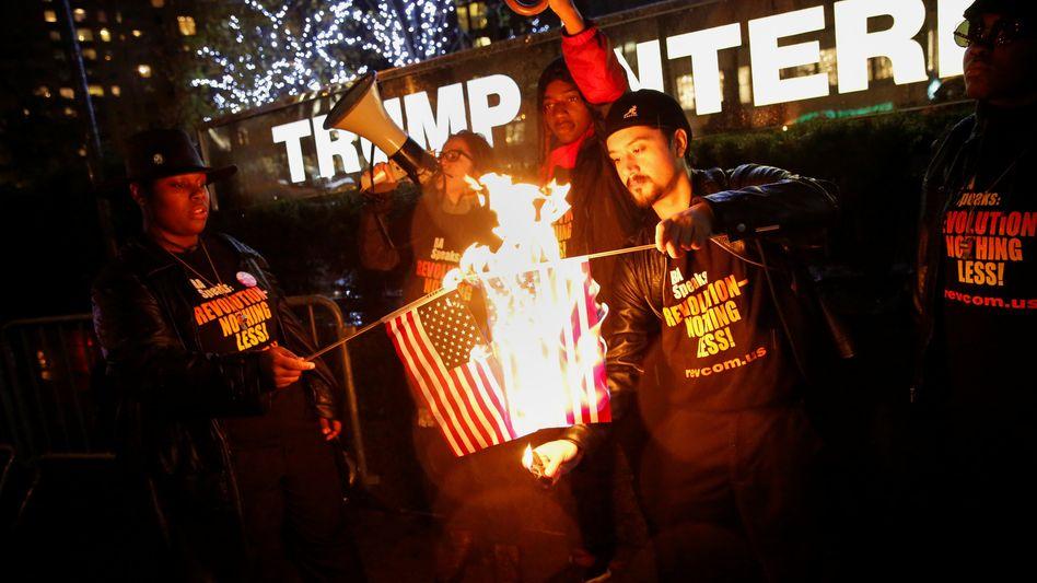 """Anti-Trump-Aktion in New York: """"Wir sollten alarmiert und wachsam sein"""""""