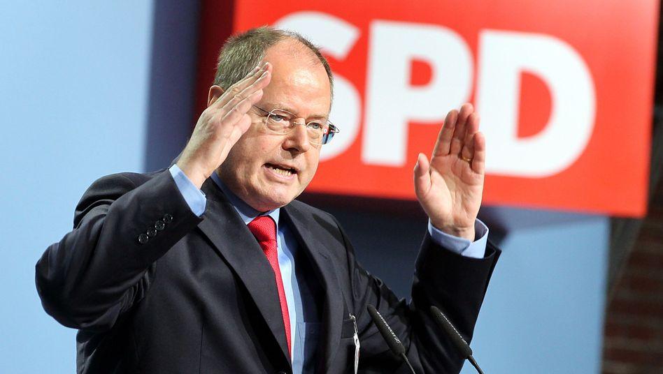Steinbrück in Aktion: Mehrere Spendengesuche für die Schach-WM