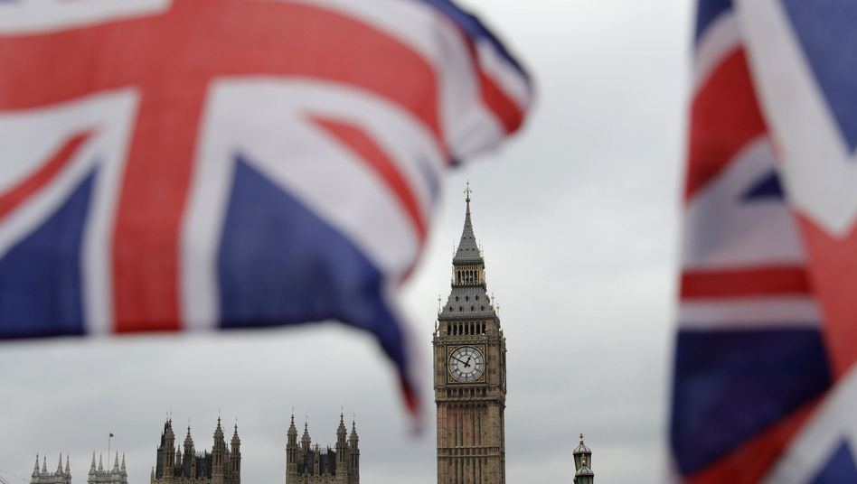 Britische Flagge vor den Houses of Parliament: Der Countdown zur Wahl läuft