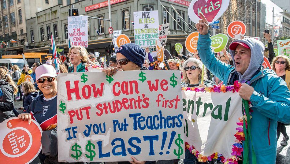 Kreativer Protest der streikenden Lehrkräfte in Neuseeland