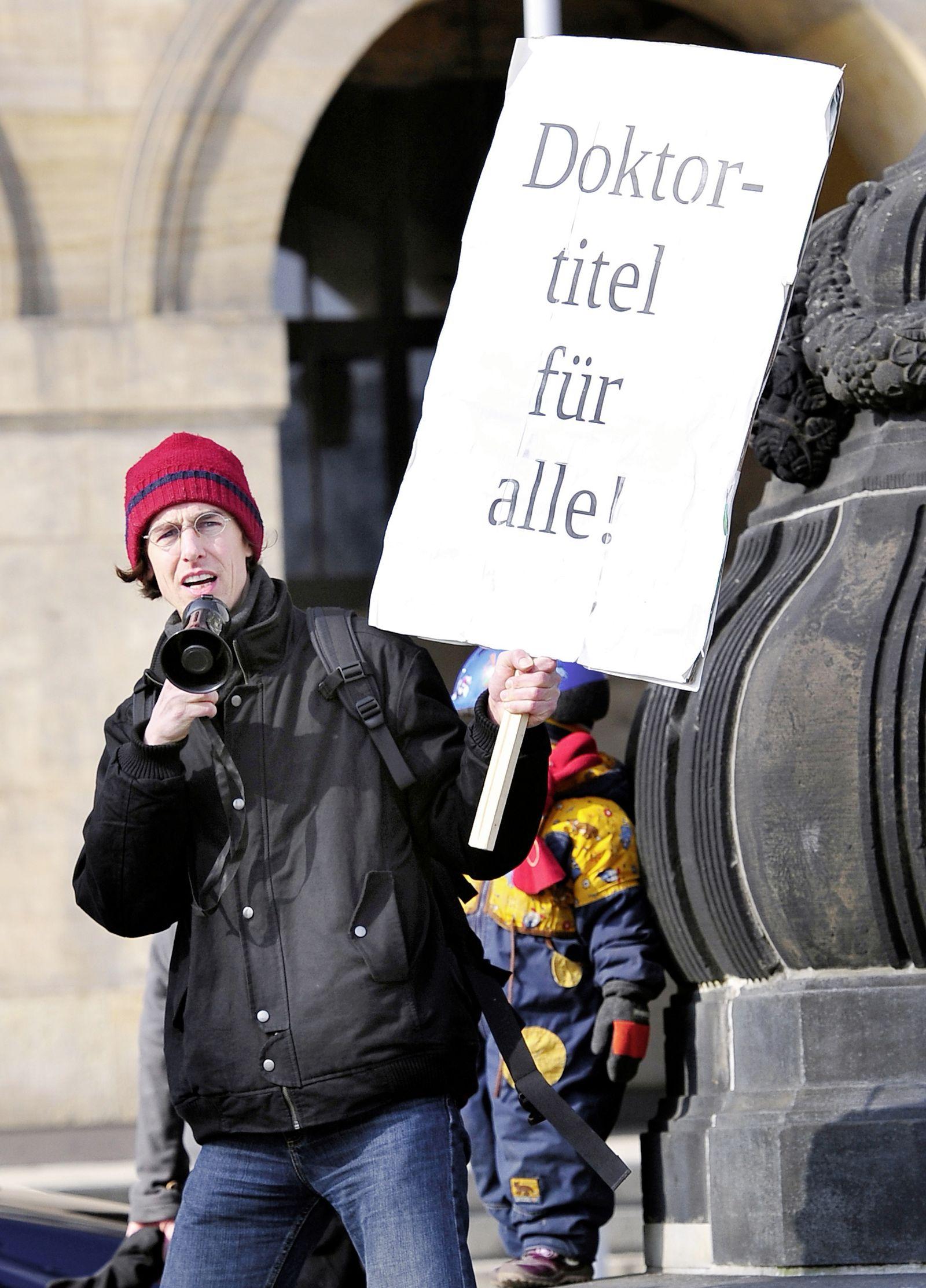 NICHT VERWENDEN Guttenberg / Demo / Berlin
