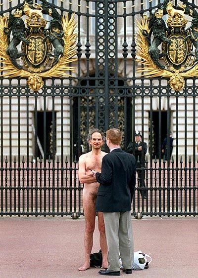 Der Buckingham-Palast als Ziel von Demonstranten
