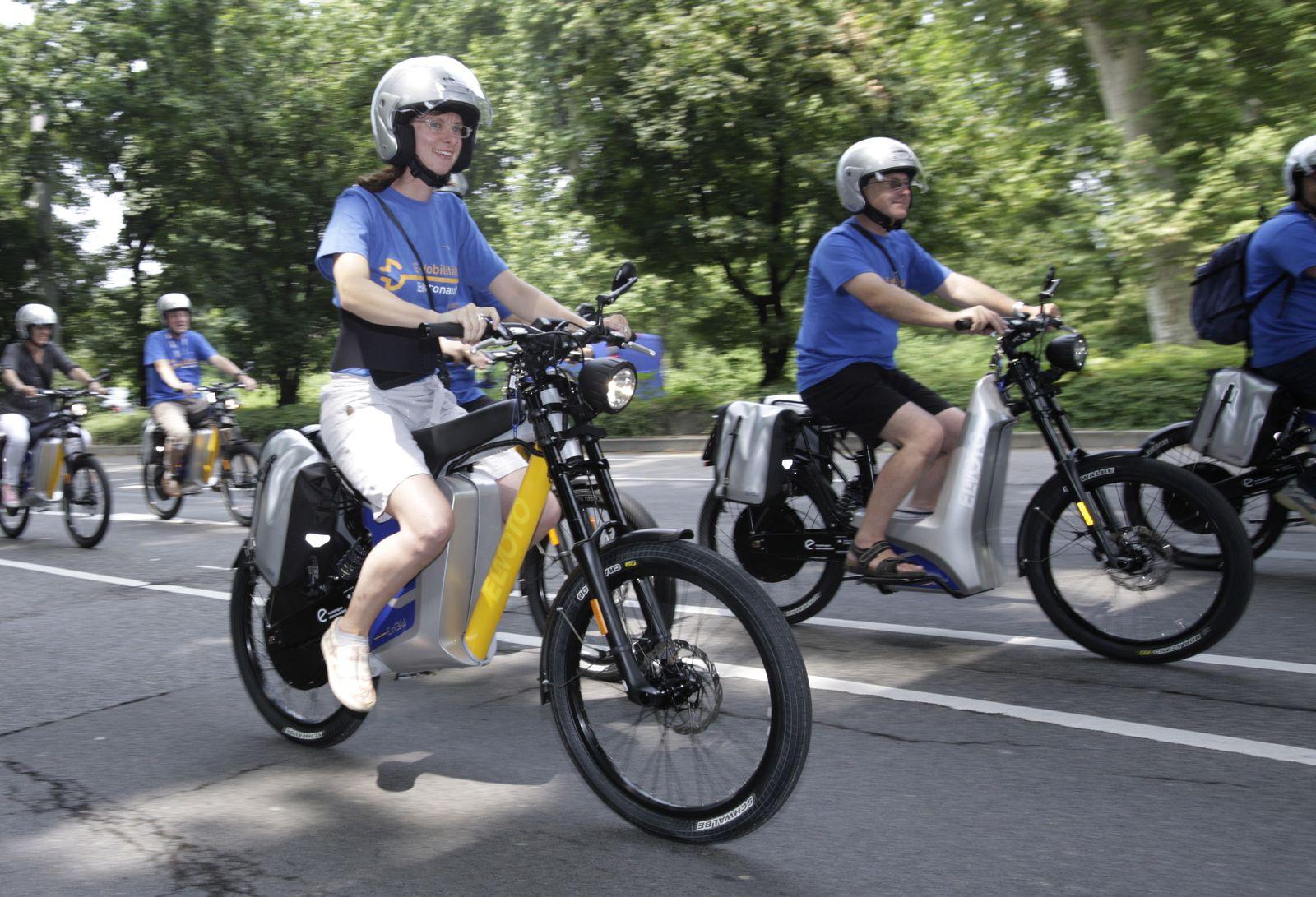 NICHT VERWENDEN Helmpflicht/ E-Bikes/ Elektrorad