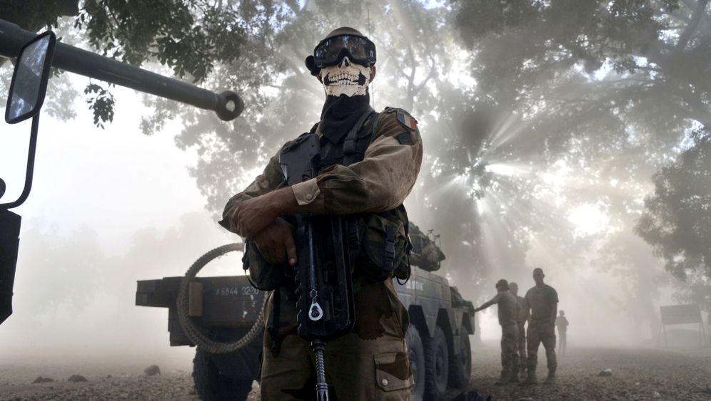 Kämpfe in Mali: Mit Totenschädel in die Schlacht