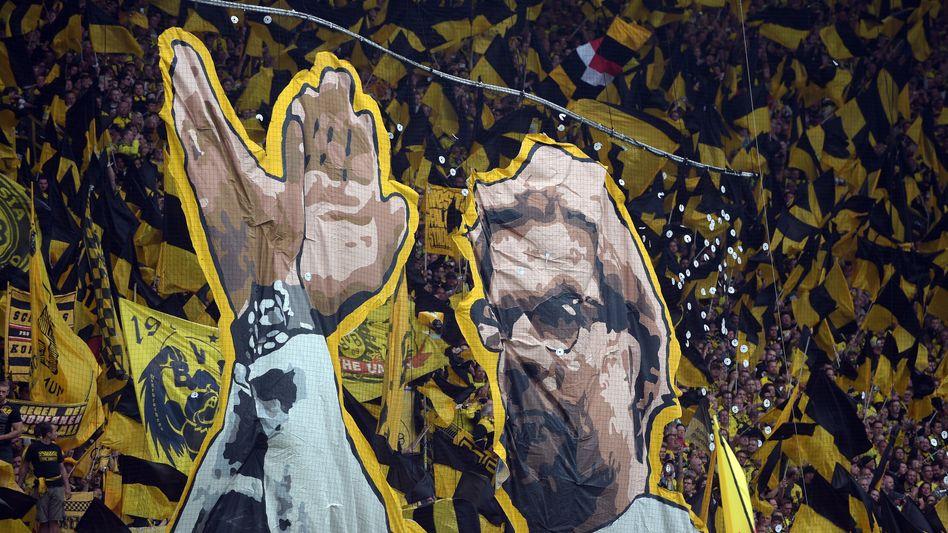 Dortmunder Fans bedanken sich bei Trainer Jürgen Klopp.