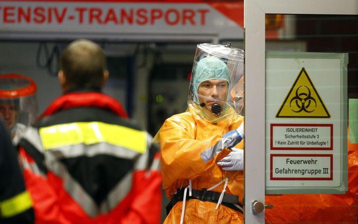 Gefahrenzone: In Frankfurt wird seit Freitag ein Ebola-Patient behandelt