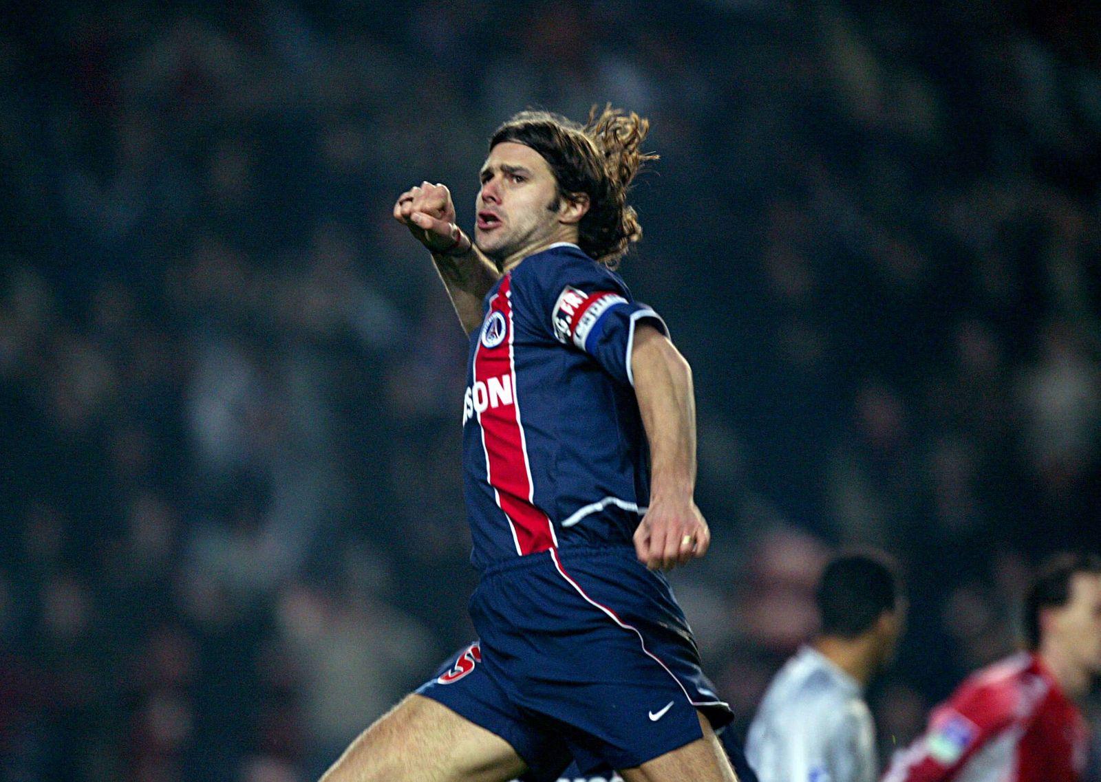 Joie de Mauricio POCHETTINO apres son but - Paris St Germain /Lille - 29.01.2003 - L1 - Foot Football - PSG - joie larg