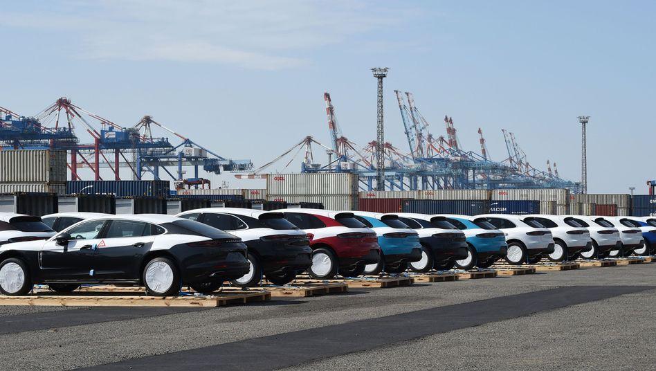 Autos für den Export (in Bremerhaven): Auswirkungen durch ungeregelten Brexit wären erheblich
