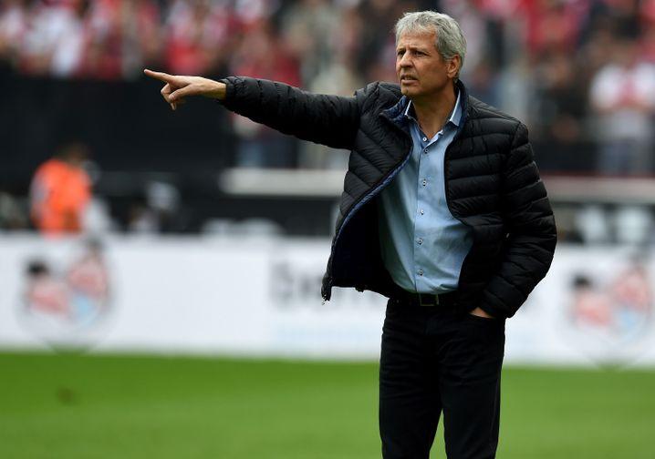 Lucien Favre , ein Trainer mit Hang zum Offensivfußball, führte Borussia Mönchengladbach 2015 in die Champions League. In der kommenden Saison betreut der 58 Jahre alte Schweizer den französischen Erstligisten OGC Nizza.