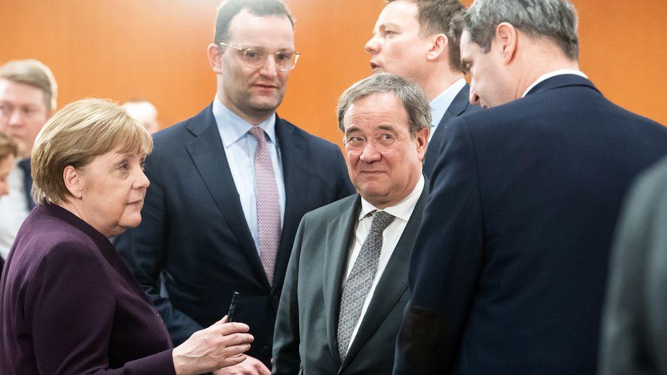 Bundeskanzlerin Angela Merkel mit Jens Spahn, Armin Laschet, Markus Söder
