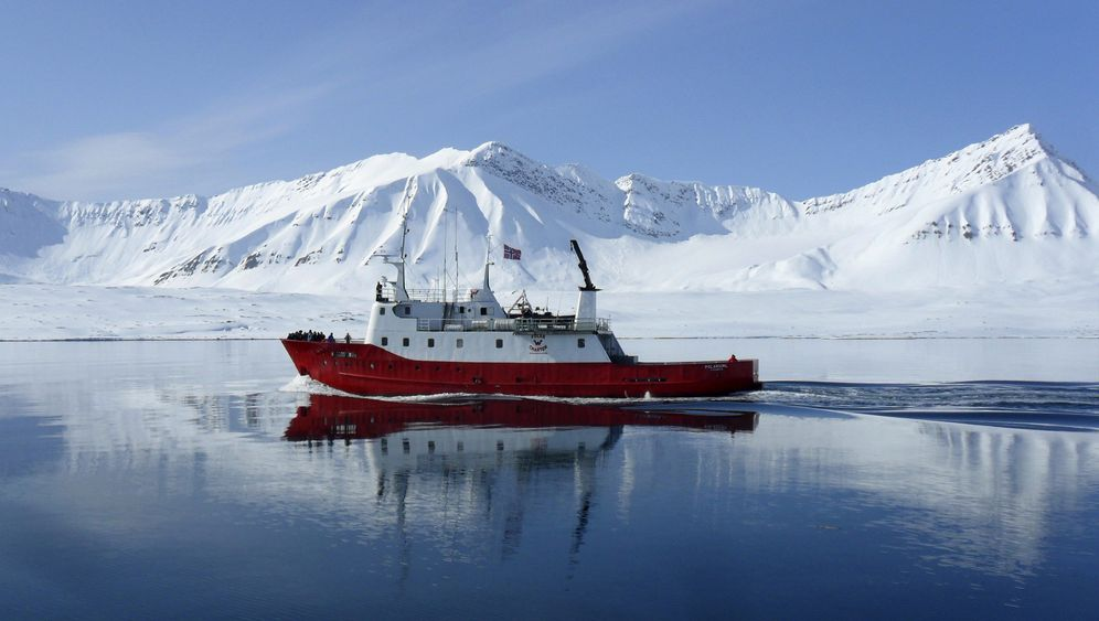 Photo Gallery: Scrambling for Arctic Resources