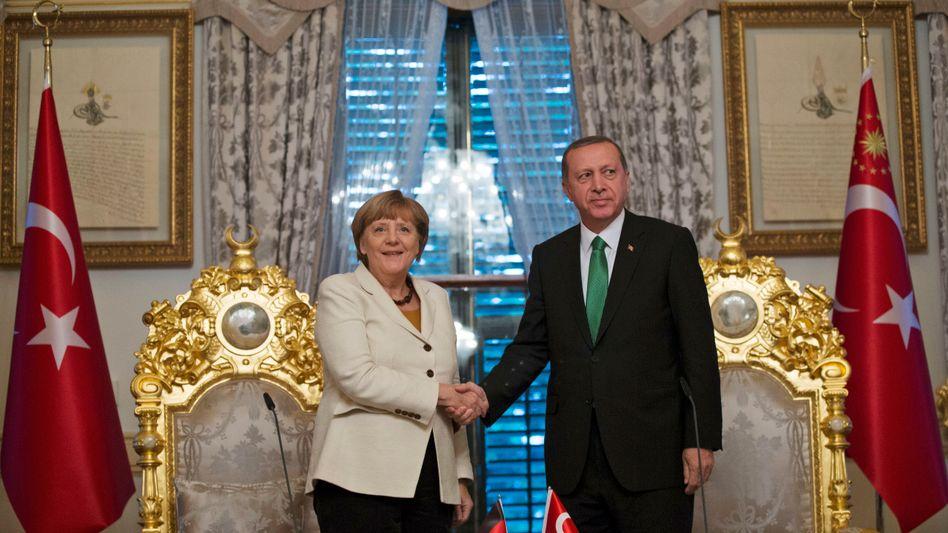 Politiker Merkel, Erdogan (im Oktober 2015 in Istanbul)