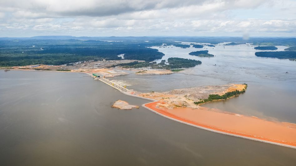 Staubecken im Rio Xingu