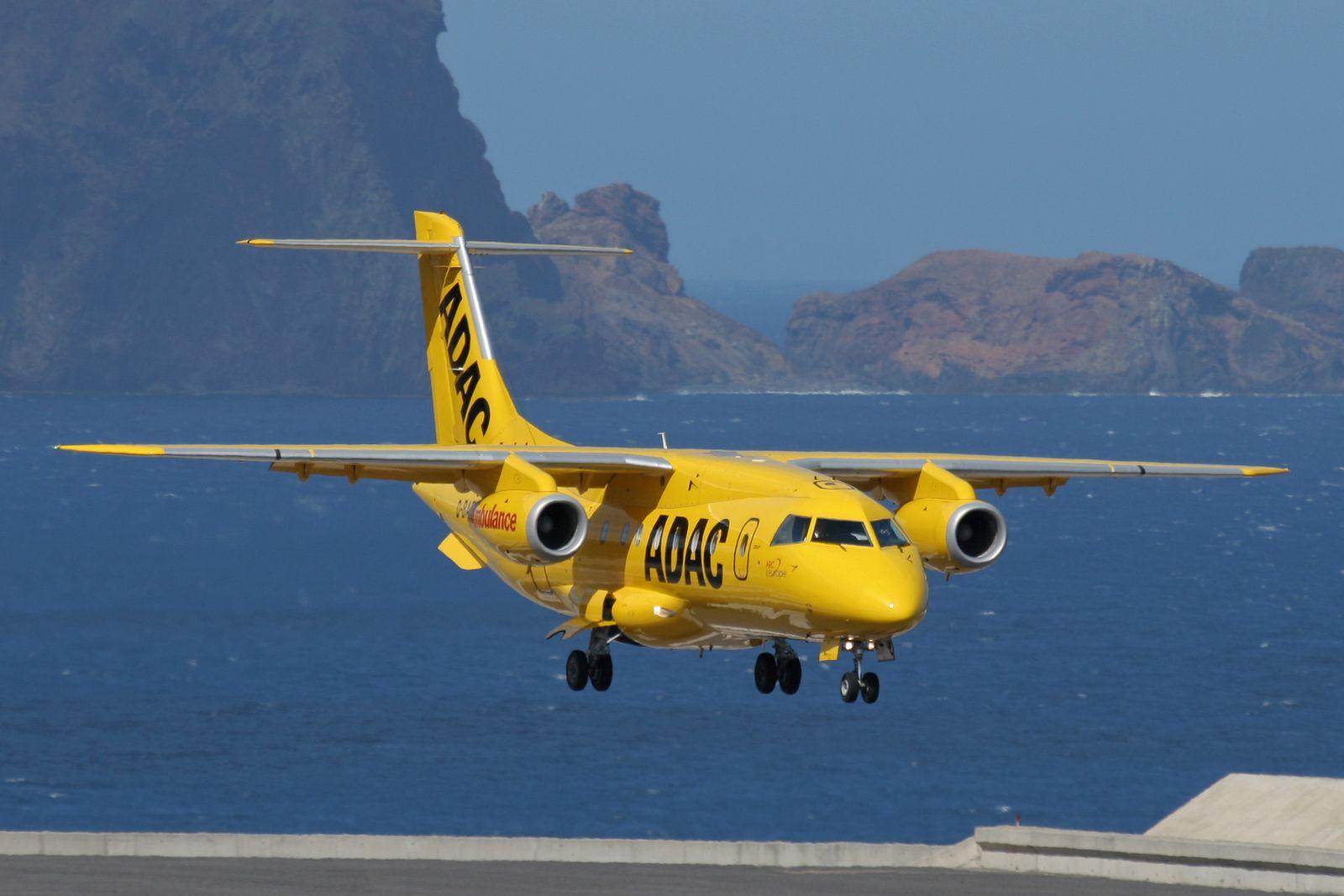 EINMALIGE VERWENDUNG ADAC Ambulanzdienst Fliegende Ambulanz