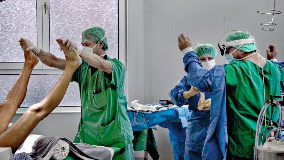 Operationssaal im Helios-Klinikum in Wuppertal: »Wirklich dreist, was da abläuft«