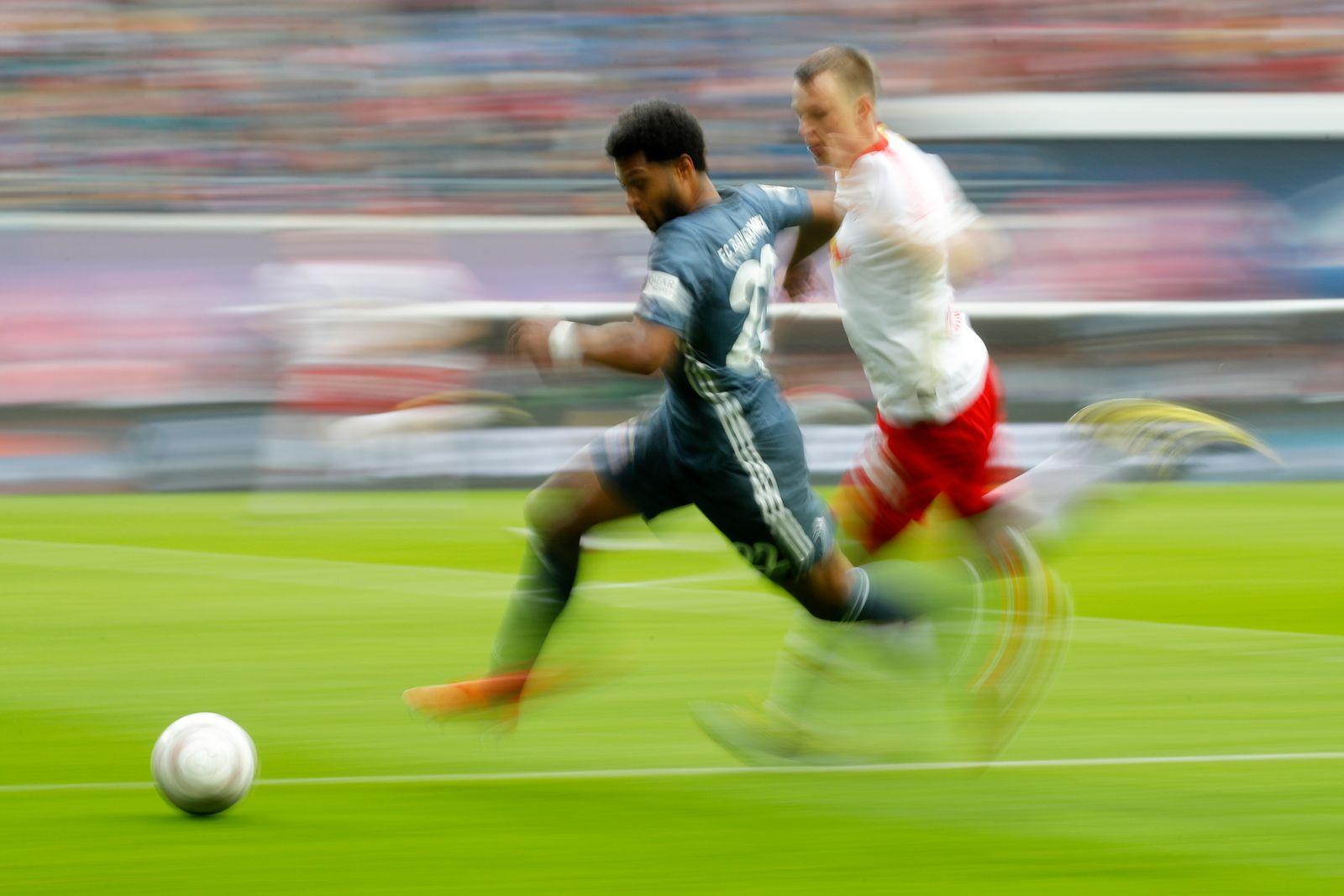 EINMALIGE VERWENDUNG Bundesliga / Zweikampf