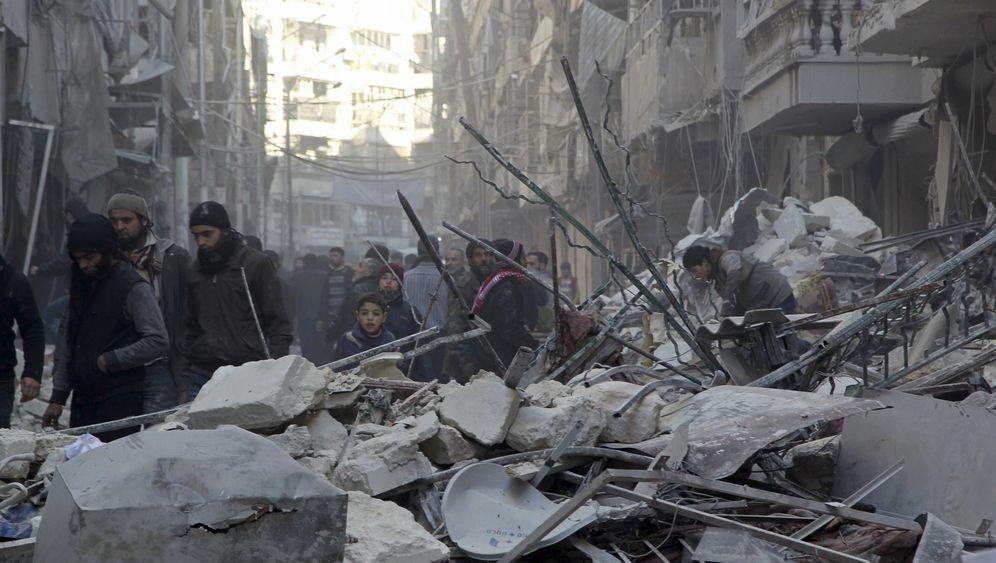 Russlands Krieg in Syrien: Putin bombt für Assad