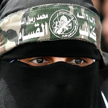 A female Hamas fighter: Hope for a cease-fire