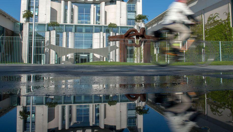 Das Bundeskanzleramt in Berlin: Täter kletterte mit Strickleiter über den Zaun