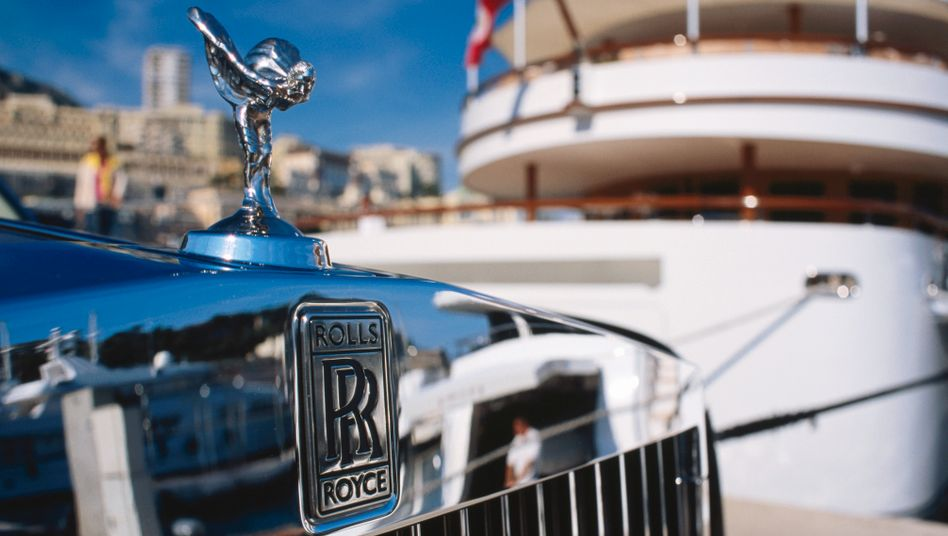 Premiumautos vor Spielbank in Monaco: Im internationalen Vergleich fällt die Belastung hierzulande gering aus