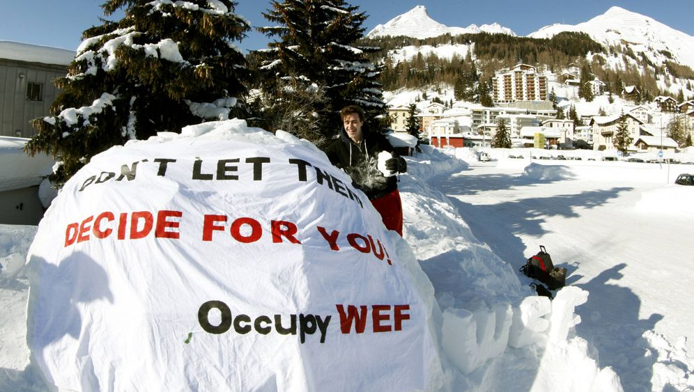 Occupy in Davos: Protest in Camp Igloo
