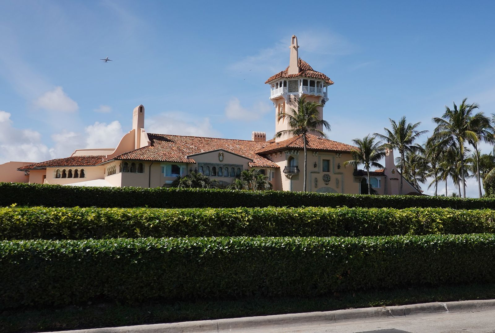 Palm Beach Town Council To Allow Former President Trump To Continue Living At Mar-a-Lago