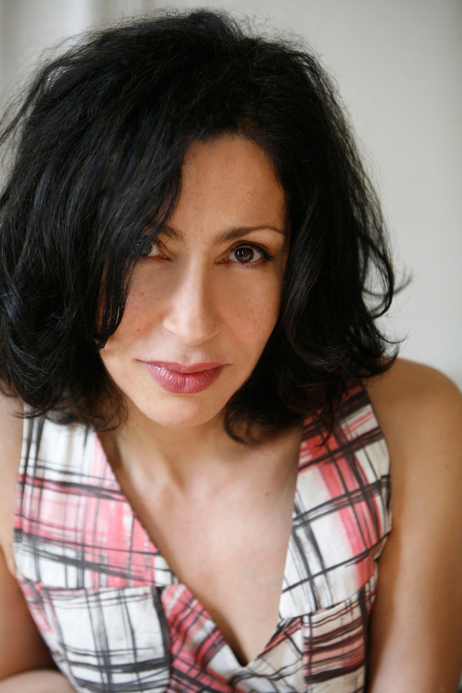 EINMALIGE VERWENDUNG Tageskarte 05.02.14/ Buch/ Yasmina Reza: Glücklich die Glücklichen COVER